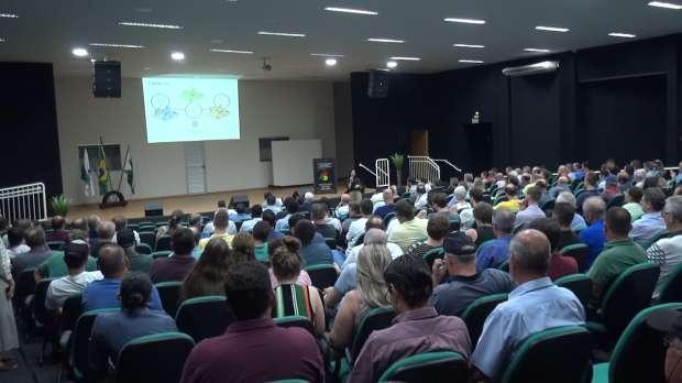 População discute propostas da Revisão do Plano Diretor de Toledo.
